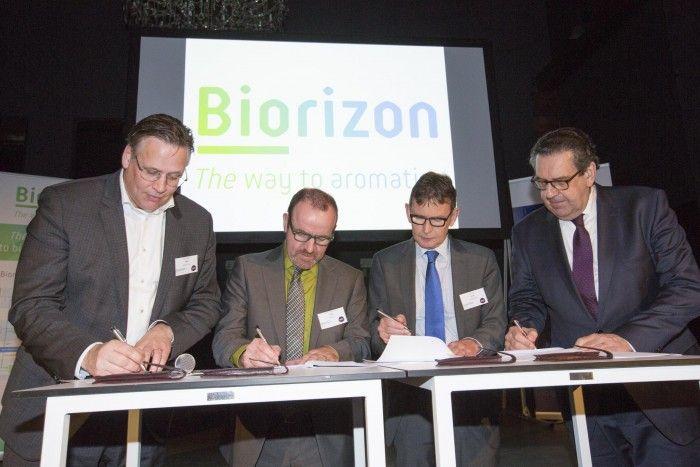 biorizon_signing_the_agreement